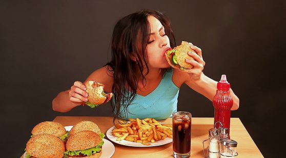 5 Tips to Avoid Eating Junk Food and Stay Healthy & Slim